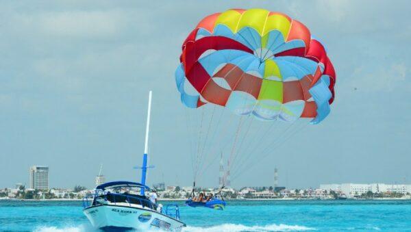 Parasailing tour Cancun