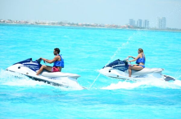 Wave Runner Cancun